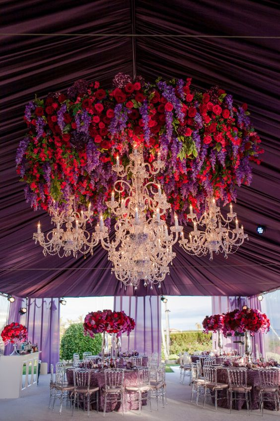 Jaw-dropping Hanging Wedding Decor