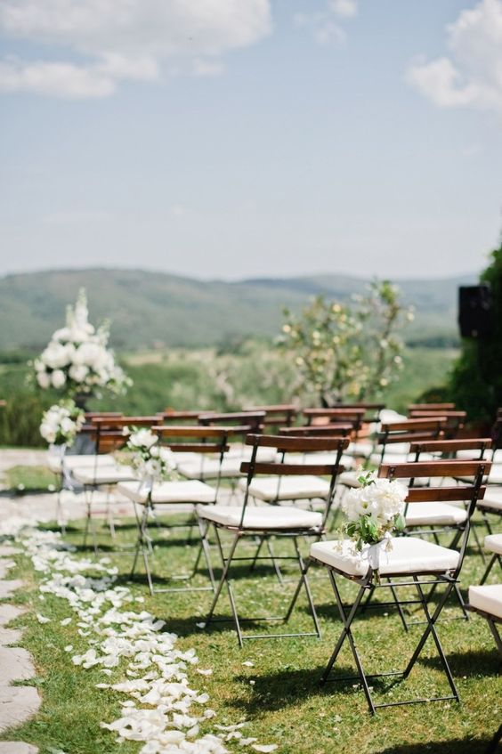 amazing Tuscany wedding at Casa Cornacchi