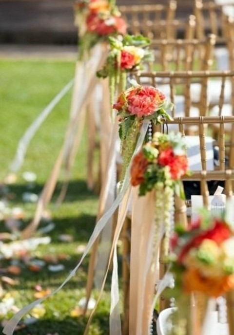 awesome bright aisle decorations for fall wedding