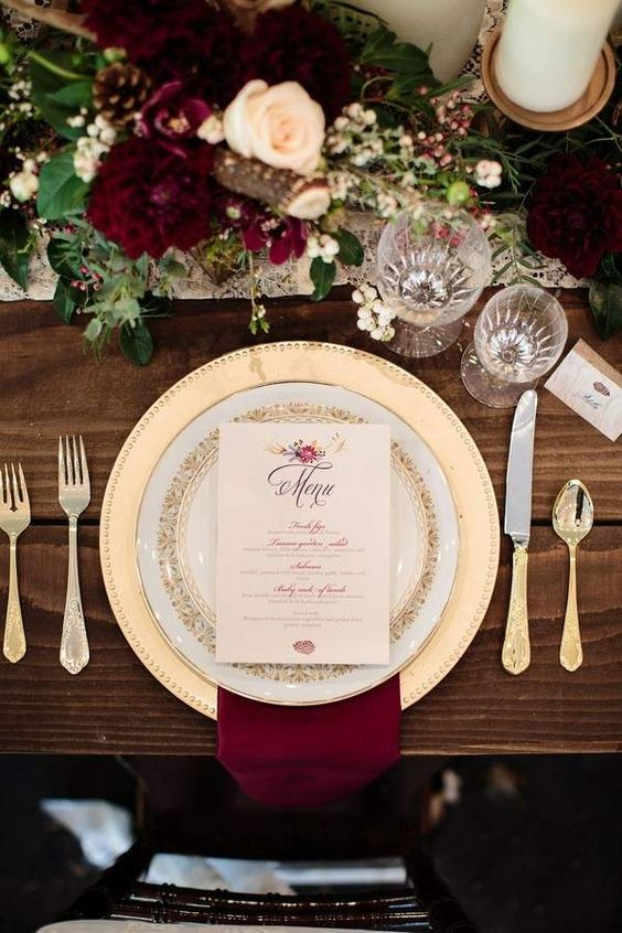 awesome maroon and gold winter wedding decoration idea