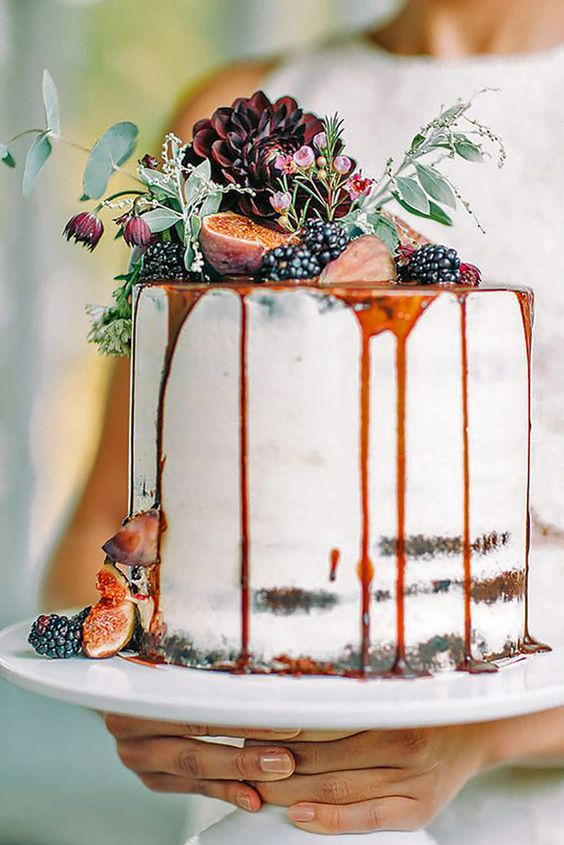 awesome small fall wedding cake
