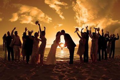 casamento de praia com fantásticas ideias de fotos em grupo
