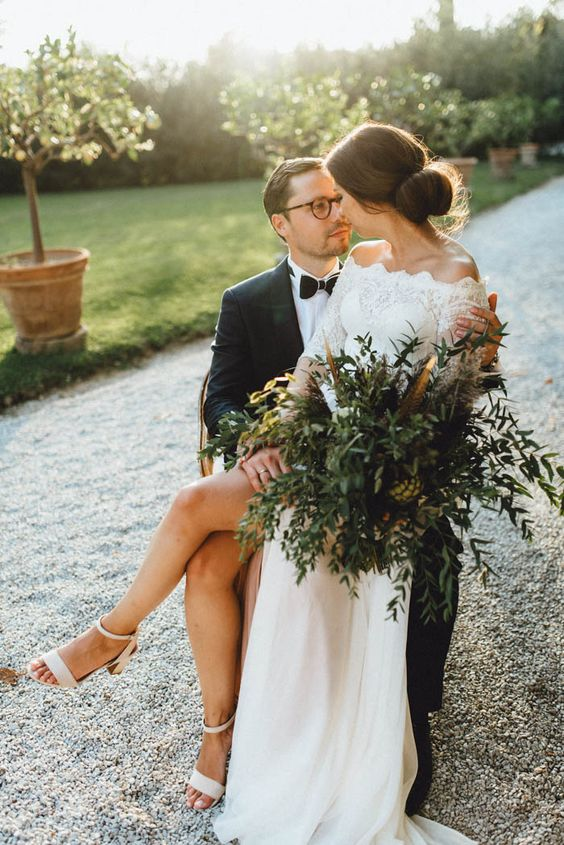 carefree and stylish tuscan wedding at Villa Passerini