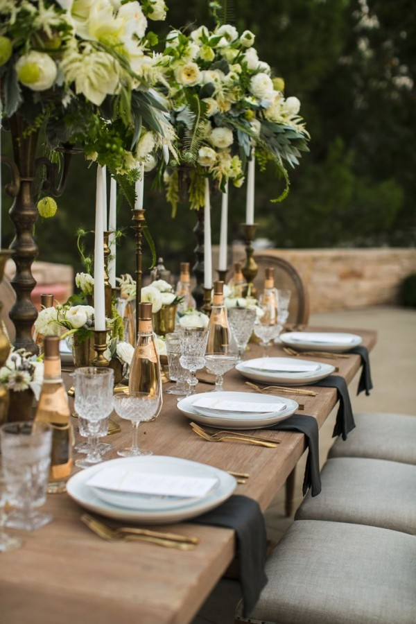 delicate and tasteful tuscan wedding table decoration