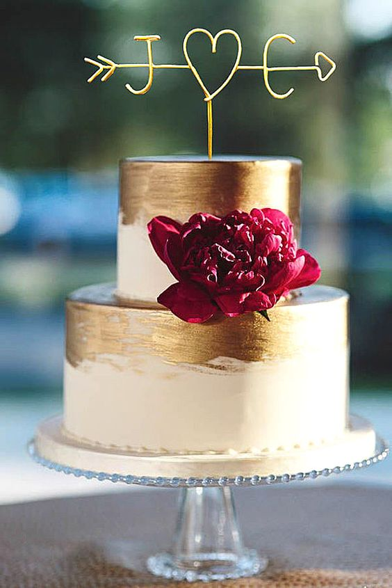 delicate mini fall wedding cake