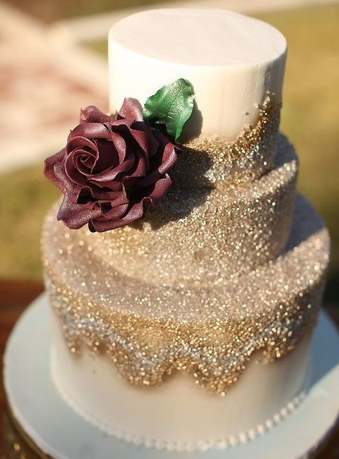 enchanting gold fall wedding cake