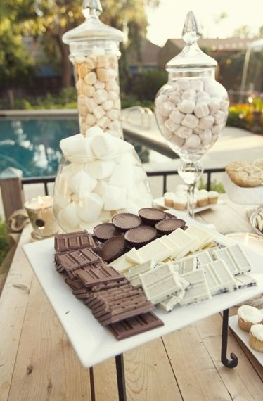 eye-catching s'more food station ideas for fall wedding