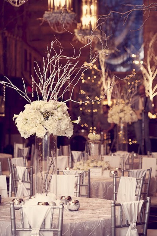 eye-poping winter wedding table setting you cannot miss