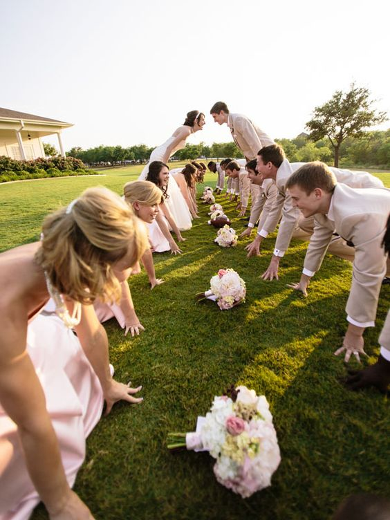 Idéia engraçada e criativa da foto do dia do casamento