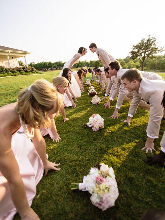 funny and creative wedding day photo idea