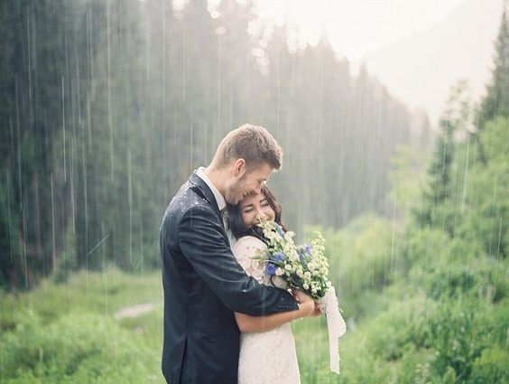 gorgeous rainy day wedding photography you cannot resist