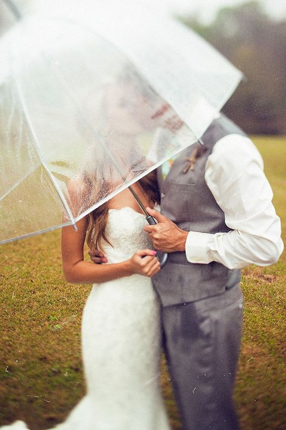 great wedding photos to survive the rainy day