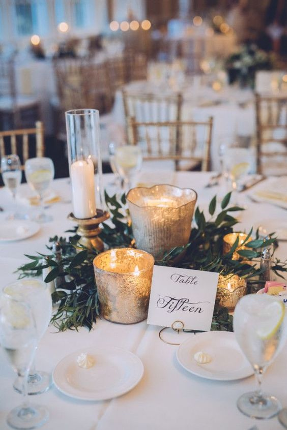 green and gold combination for winter wedding decoration