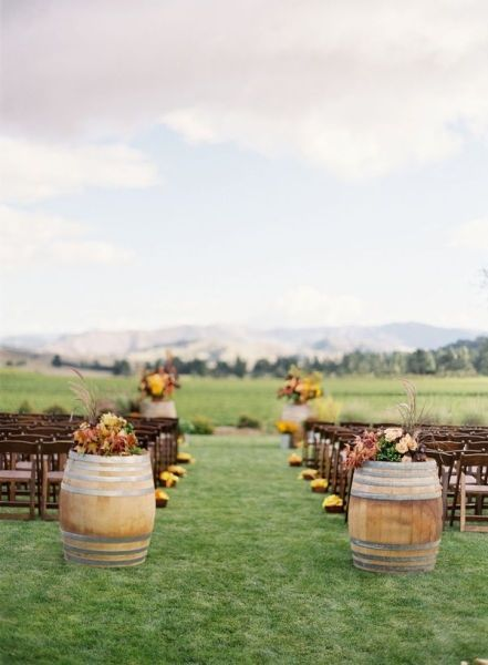 inspiring barrel fall wedding decoration