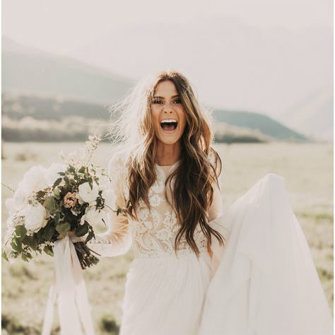 long loose wave hairstyle for boho wedding