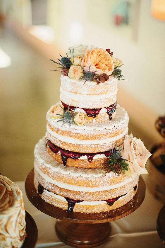 mouth-watering rustic wedding cake for fall