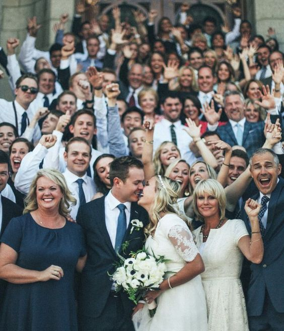 oh-so-romantic wedding group photo ideas