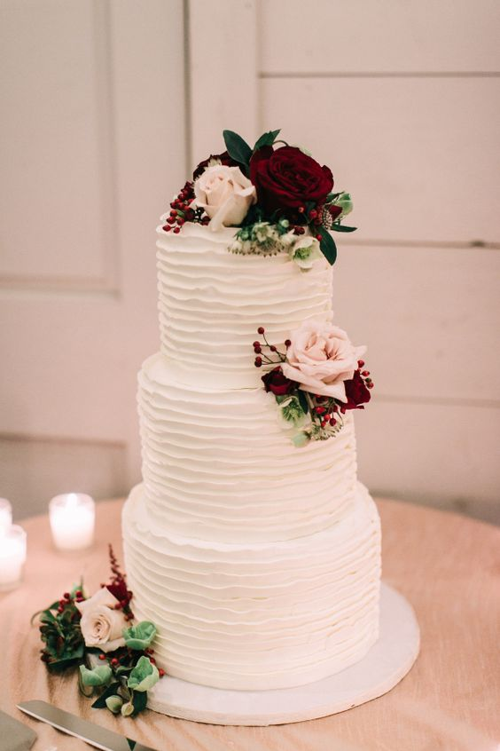 plain floral wedding cake for outdoor reception