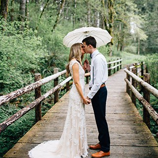 rock your wedding with rainy kiss photo