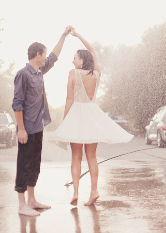 romantic rainy wedding photo