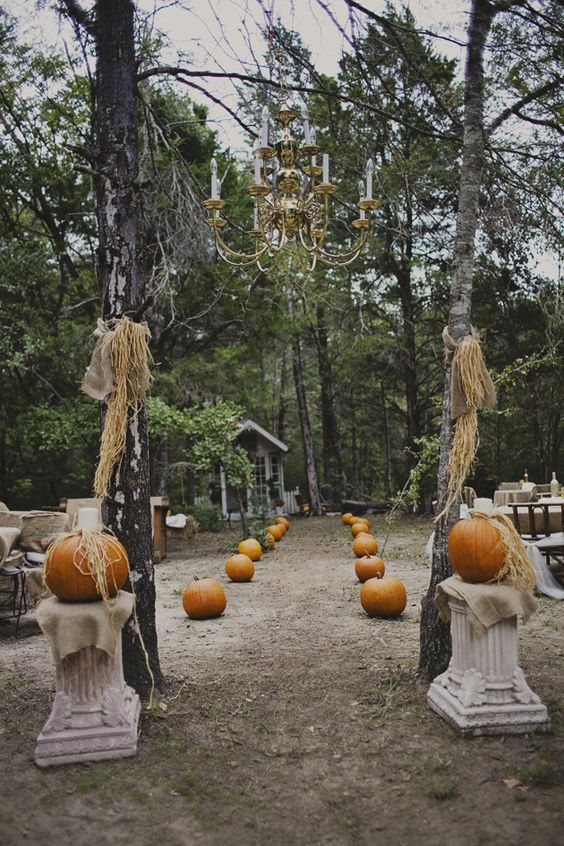 rustic anad chic aisle decoration for fall woodland wedding