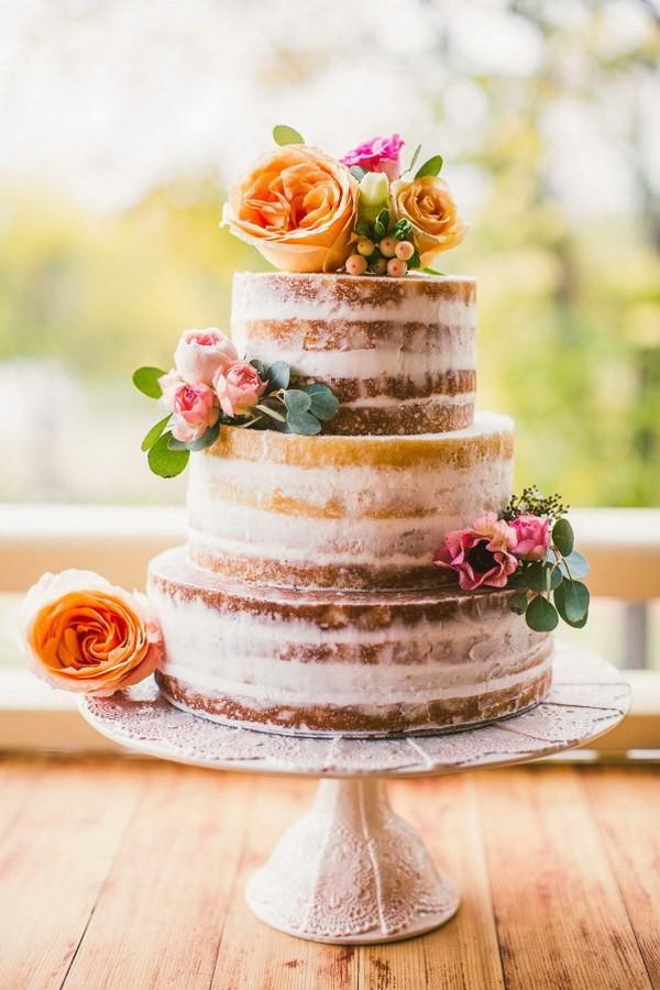 rustic naked wedding cake for autumn wedding 2017