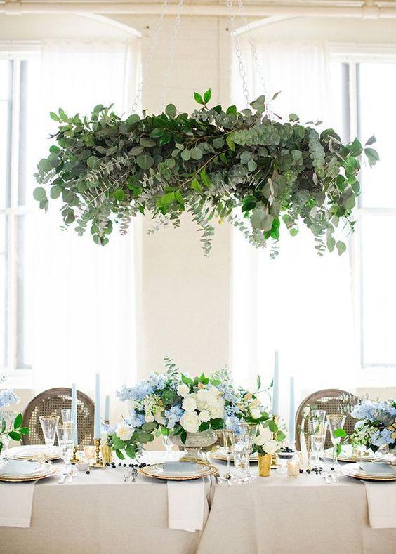 simple yet elegant leafy chandelier