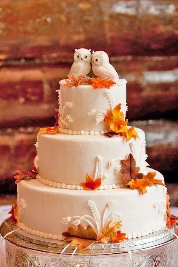 stunning autumn wedding cake