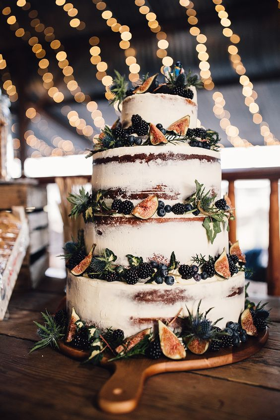 stylish autumn wedding cake with berries