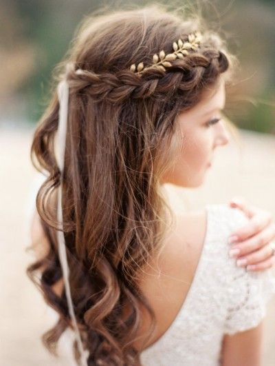 stylish winter boho bridal hairstyle