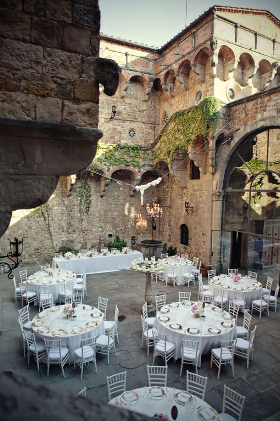 that's why you should have your wedding in Tuscany