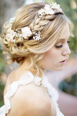 vintage-inspired boho bridal updo