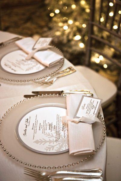 winter wedding decor with amazing details