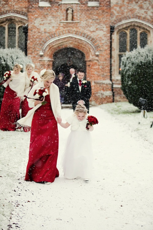 Eye-catching Red Winter Wedding Ideas You Will Never Regret Having! 009