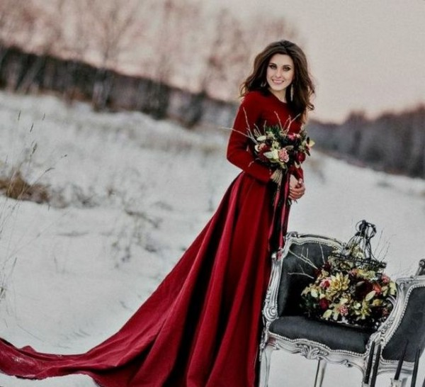 Eye-catching Red Winter Wedding Ideas You Will Never Regret Having! 010