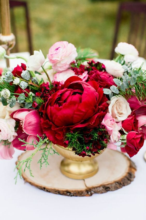 Eye-catching Red Winter Wedding Ideas You Will Never Regret Having! 014