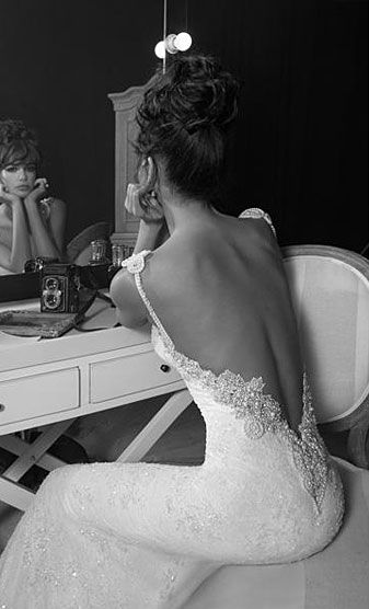 Stunning Open Back Wedding Dresses That Wow 002