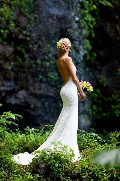 Stunning Open Back Wedding Dresses That Wow 003