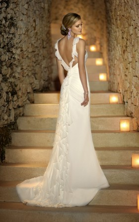 Stunning Open Back Wedding Dresses That Wow 014