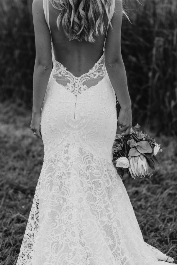 Stunning Open Back Wedding Dresses That Wow 015