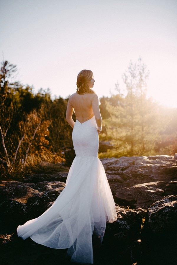 Stunning Open Back Wedding Dresses That Wow 028