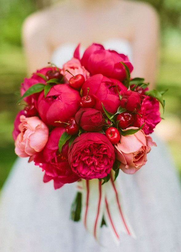 Super picture-perfect peony wedding bouquets you will adore 001