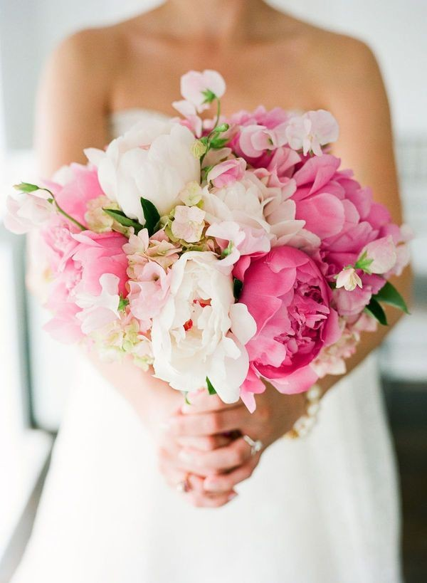 Super picture-perfect peony wedding bouquets you will adore 002