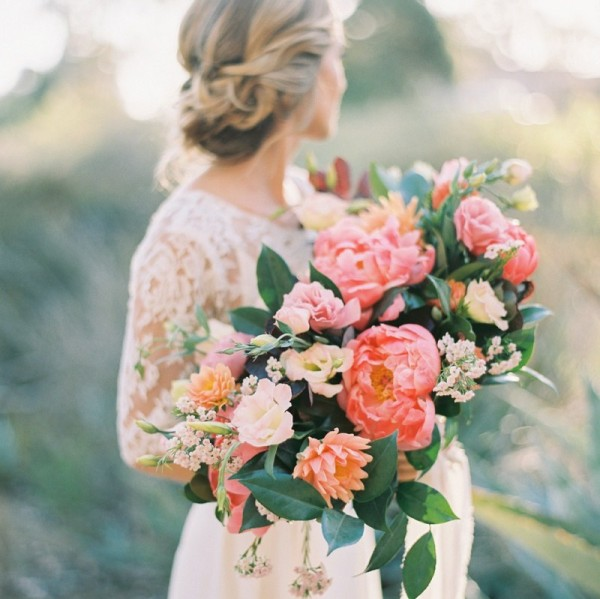 Super picture-perfect peony wedding bouquets you will adore 005