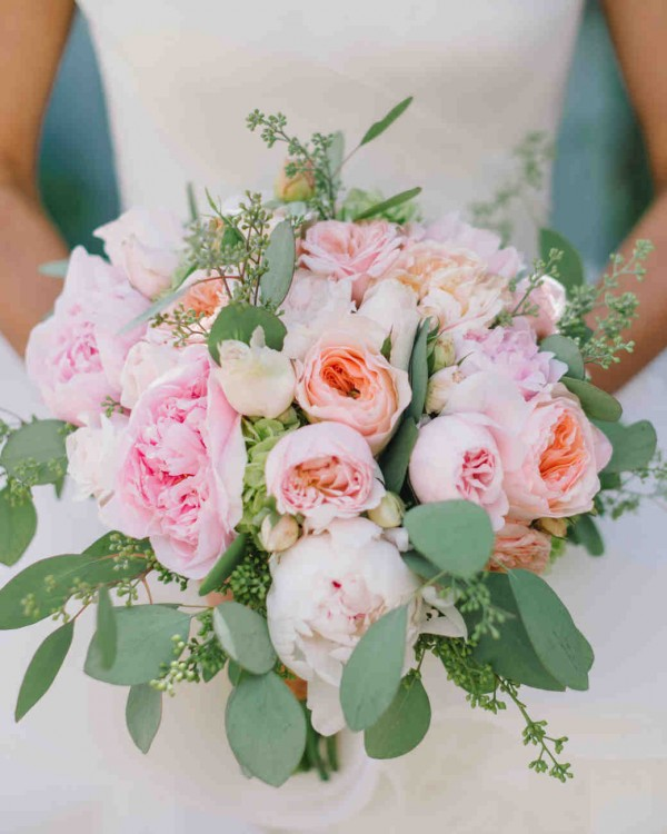 Super picture-perfect peony wedding bouquets you will adore 006