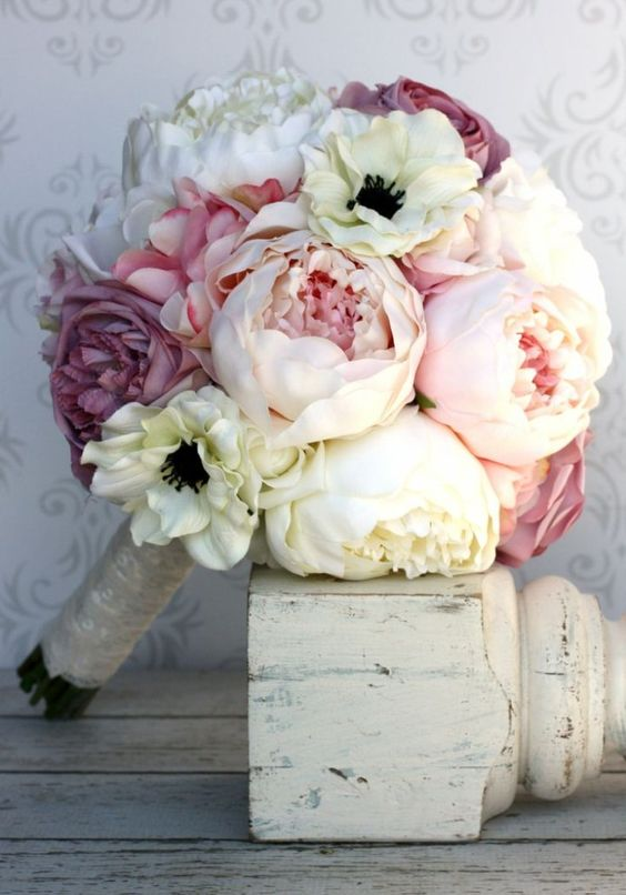 Super picture-perfect peony wedding bouquets you will adore 013