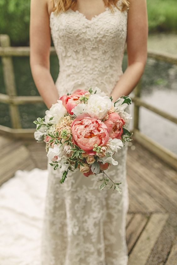 Super picture-perfect peony wedding bouquets you will adore 021
