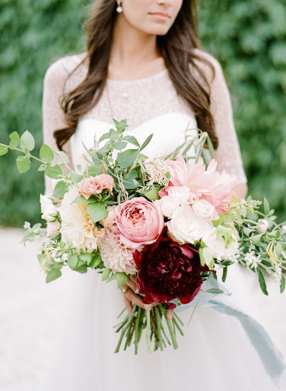 Super picture-perfect peony wedding bouquets you will adore 025