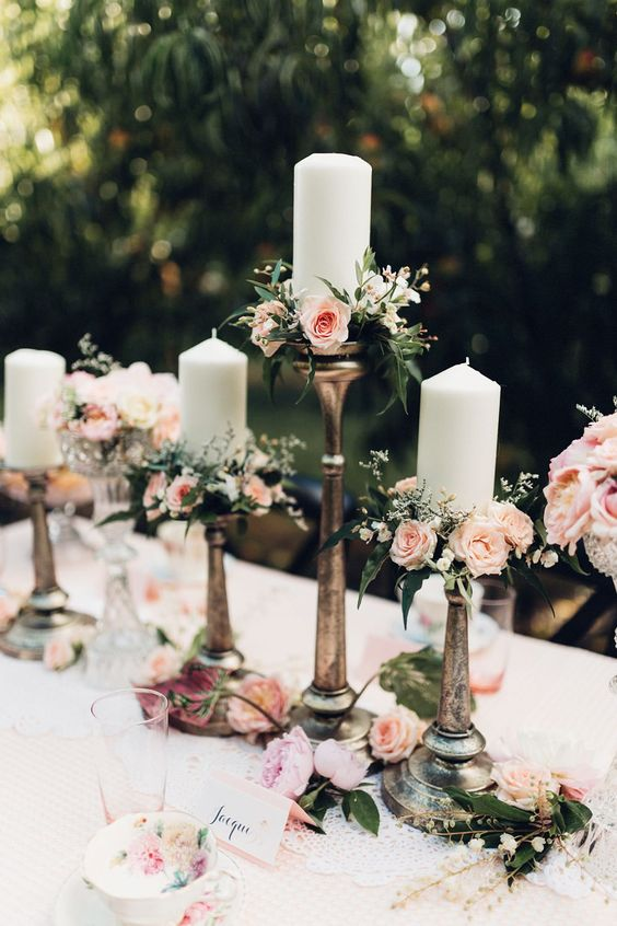 Vintage Wedding Centerpieces That Take Your Wedding to a New Level 004