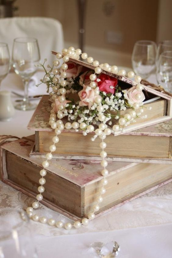 Vintage Wedding Centerpieces That Take Your Wedding to a New Level 005